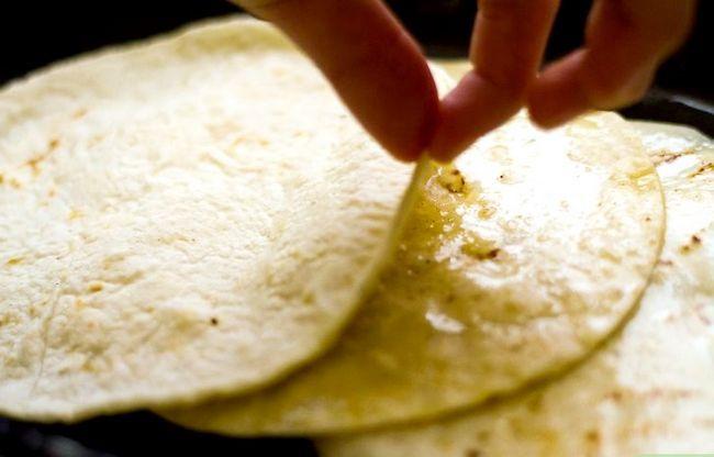Prent getiteld Stacked Cheese Enchiladas Stap 3