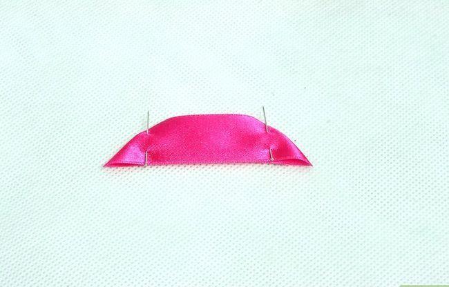 Prent getiteld Make Satin Ribbon Flowers Stap 1Bullet1