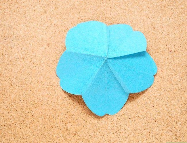 Prent getiteld Maak Origami Tropiese Blomme Stap 12