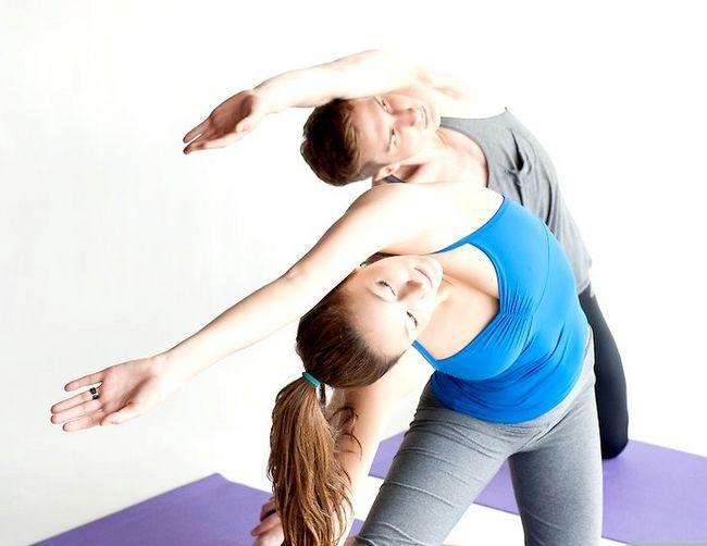 Prent getiteld Doen die poort in joga Stap 5