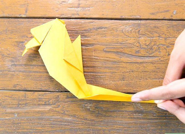 Prent getiteld Vou `n Origami Papegaai Stap 13
