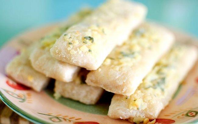 Prent getiteld Maak Tuisgemaakte Pizza Hut Breadsticks Intro