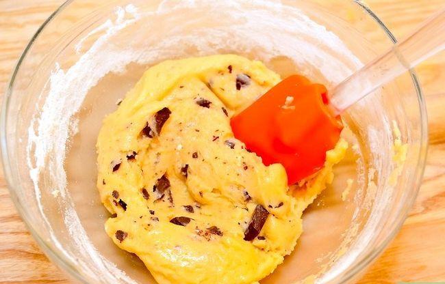 Prent getiteld Maak Sjokolade Chip Koekie Deeg Cupcakes Stap 6