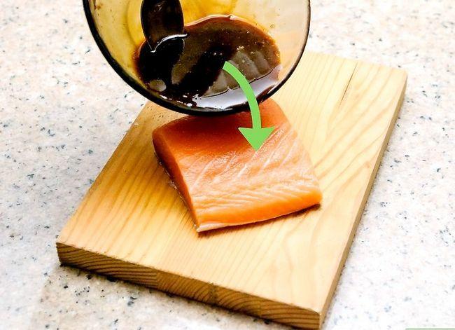 Prent getiteld Grill Salmon op `n Natuurlike Cedar Plank Stap 5