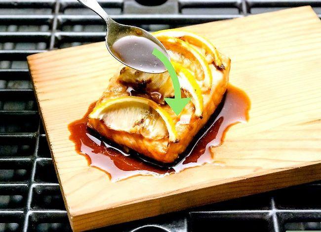 Image getiteld Grill Salmon op `n natuurlike Cedar Plank Stap 8