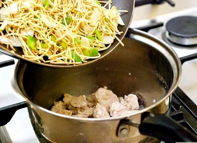 Prent getiteld Make Chicken Noodle Soup Stap 52