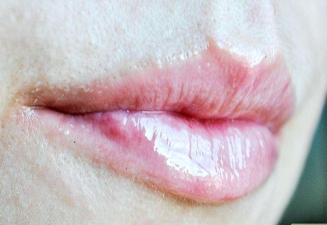 Prent getiteld Make Lips Plumper (Kaneel Metode) Stap 5