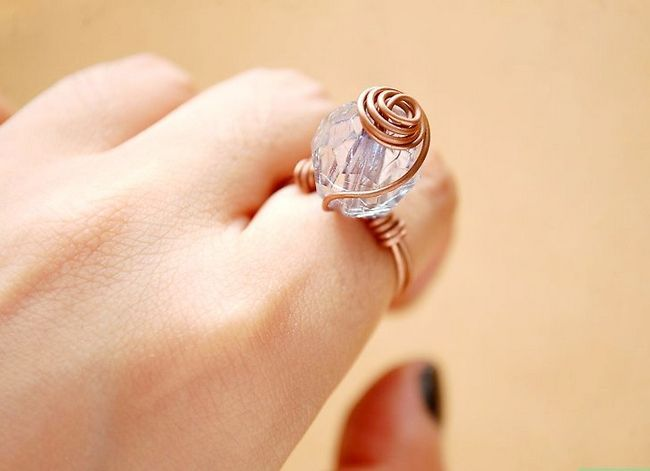 Prent getiteld Maak `n Spiral Wire Bead Ring Intro