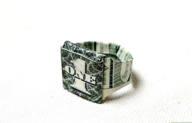 Prent getiteld Maak `n ring uit papier Stap 22