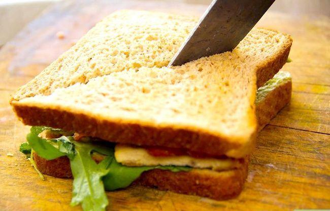 Prent getiteld Maak `n Gegrilde Hoender Sandwich Klub Stap 5