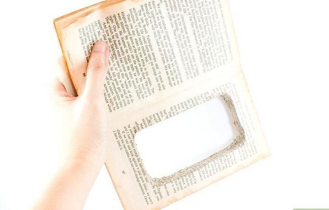 Prent getiteld Maak `n iPod-hoes uit `n boek Stap 8