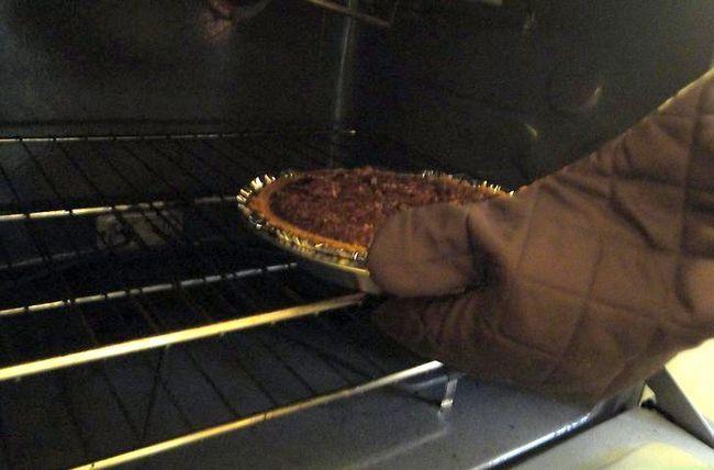 Prent getiteld Maak Pecan Pie Stap 9