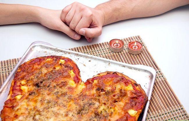 Prent getiteld Maak `n Hartvormige Pizza Stap 8