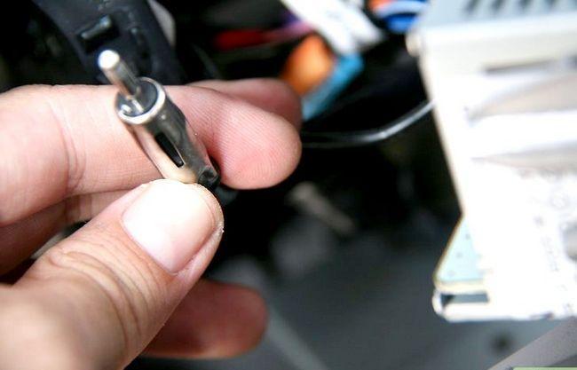 Beeld getiteld Installeer `n motorradio-eenheid. Stap 6