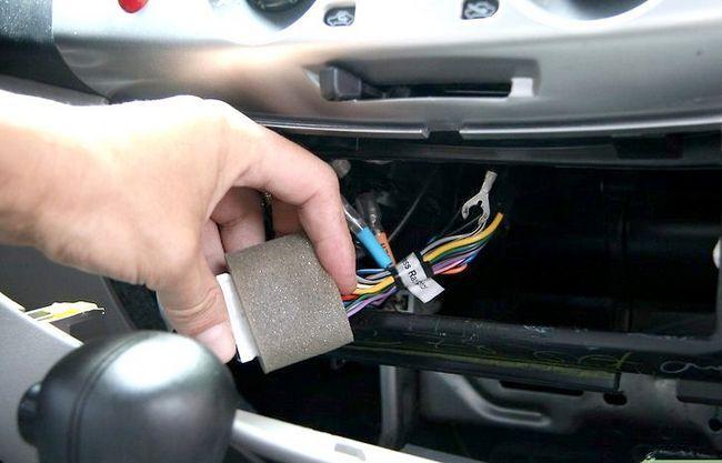 Beeld getiteld Installeer `n motorradiohoof eenheid Stap 9