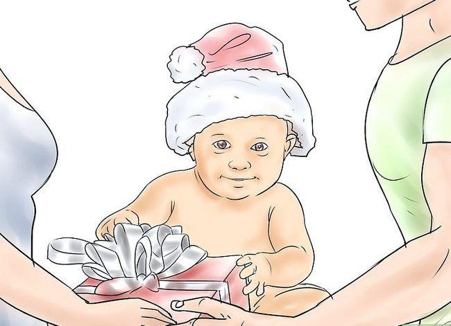 Prent getiteld Skep `n blywende tradisie vir Baby`s First Christmas Step 9