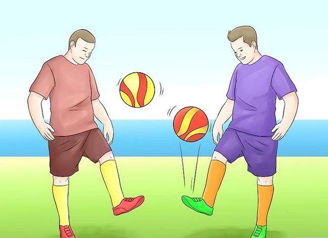 Prent getiteld Play Indoor Soccer Stap 11