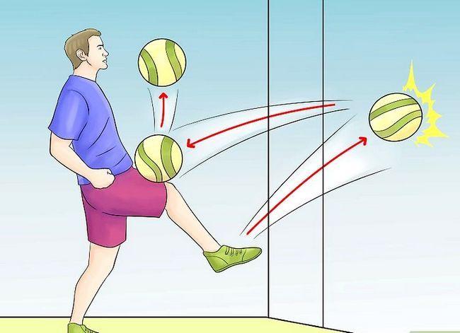 Prent getiteld Play Indoor Soccer Stap 14