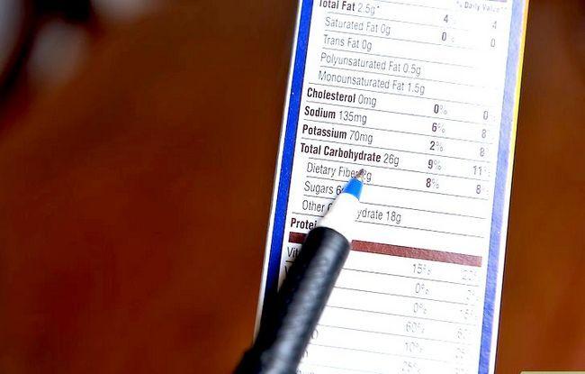 Prent getiteld Lees Voedings Feite op Voedsel Etikette Stap 7