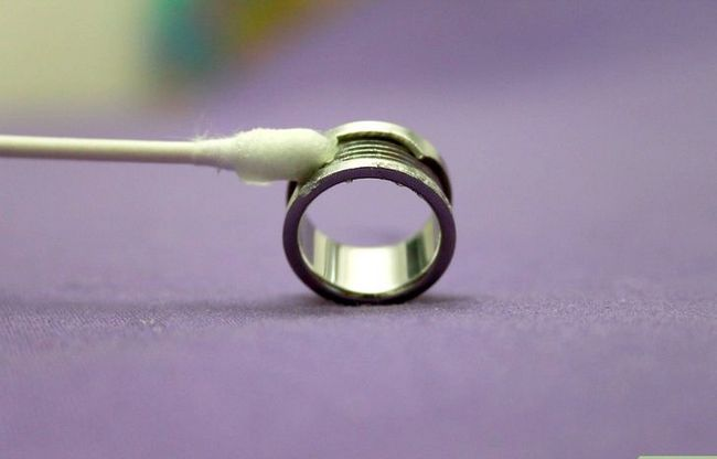 Prent getiteld Clean Tungsten Carbide Jewelry Stap 2