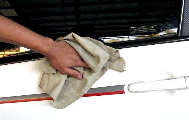 Hoe om die sap van jou motor skoon te maak