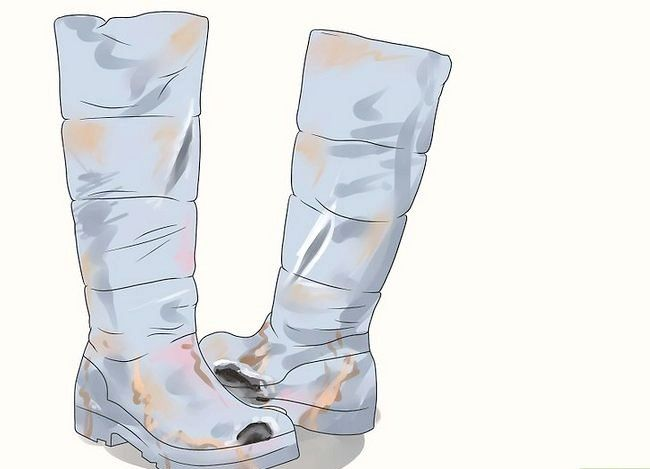 Prent getiteld Clean Stinky Winter Boots Stap 1