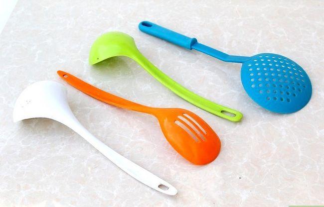 Prent getiteld Clean Plastic Step 11