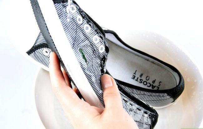Prent getiteld skoon tennis skoene stap 11