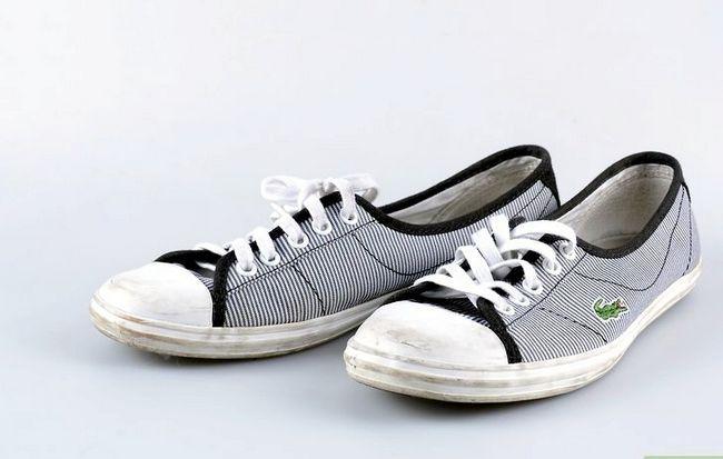 Prent getiteld Clean Tennis Shoes Intro