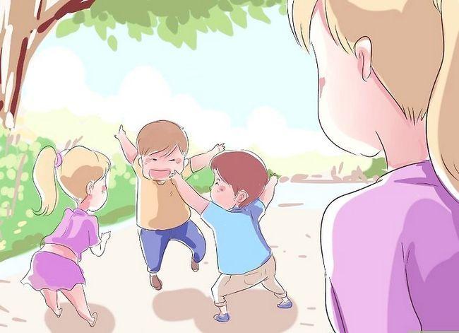 Prent getiteld Kry jou peuter om te speel met ander kinders Stap 18