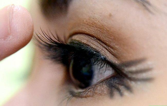 Prent getiteld Doen Make-up vir tuiskoms Stap 18