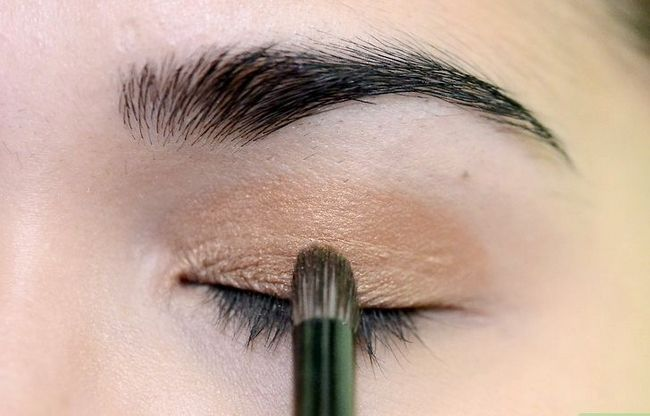 Prent getiteld Doen Make-up vir tuiskoms Stap 8