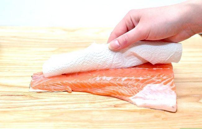 Prent getiteld Marinate Salmon Step 1