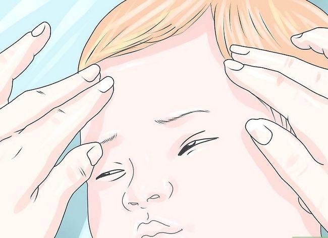 Prent getiteld Massage `n pasgebore baba stap 13
