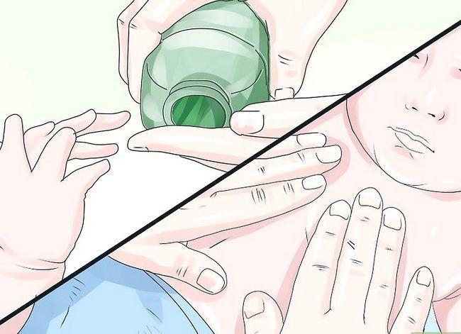 Prent getiteld Massage `n pasgebore baba stap 23