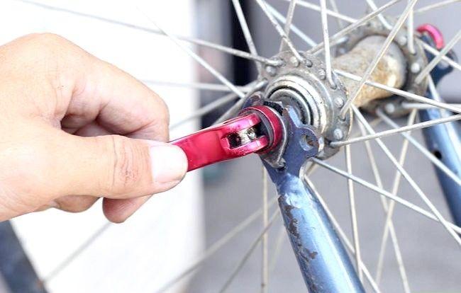 Hoe om die kamera van `n fiets te laai