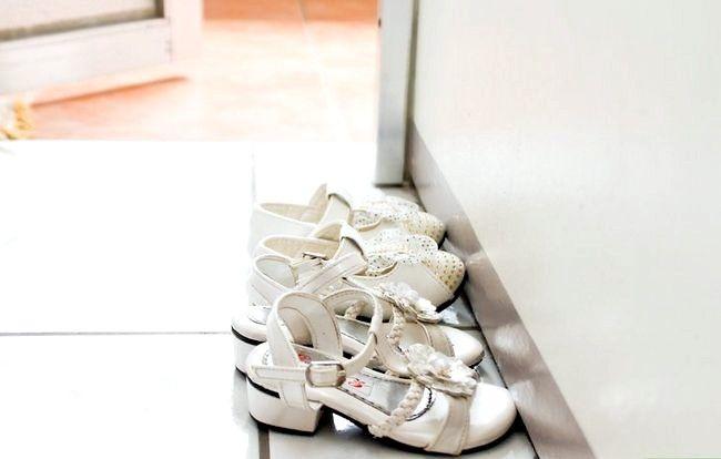 Prent getiteld Sit skoene op `n jaar oue stap 6Bullet1