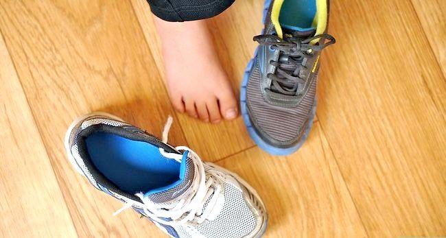 Prent getiteld Dra grootmaat skoene Stap 1