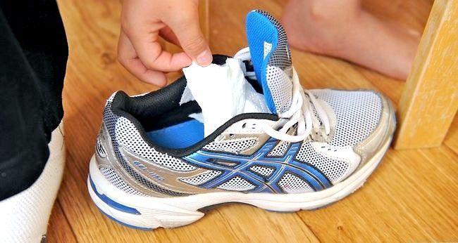 Prent getiteld Dra grootmaat skoene Stap 3