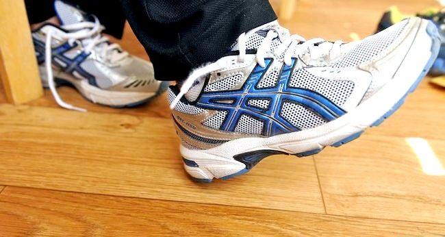 Prent getiteld Dra grootmaat skoene Stap 5