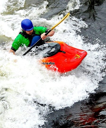 Beeld getiteld Kayak Playboat ManchesterNH 114