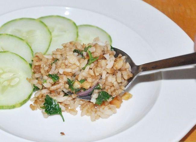 Prent getiteld Maak Thai Fried Rice Stap 6