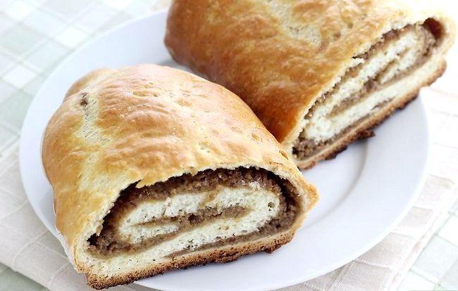 Prent getiteld Make Beigli (Hongaarse Papaver Saad & Walnut Rolls) Intro