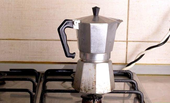 Prent getiteld Maak Kubaanse Koffie Stap 3