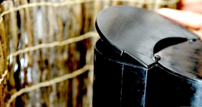 Prent getiteld Berei Filter Koffie Stap 4
