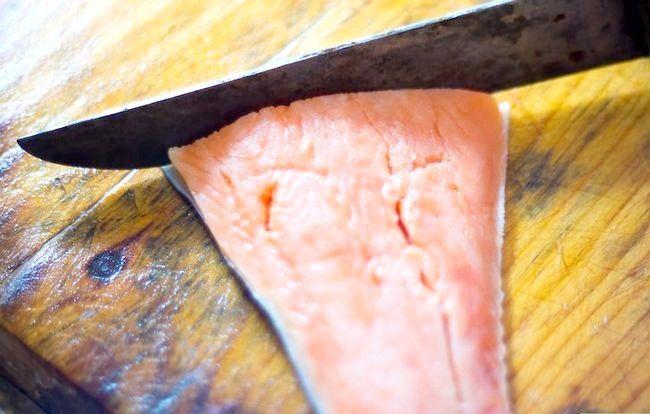 Prent getiteld Make Almond Crusted Salmon Step 1Bullet1