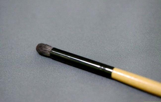 Prent getiteld Skep `n Starter Make-up Kit vir `n Tiener Meisie Stap 2Bullet15
