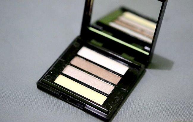 Prent getiteld Skep `n Starter Make-up Kit vir `n Tiener Meisie Stap 2Bullet6