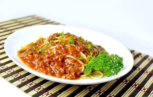 Prent getiteld Maak Vinnige Spaghetti Sous Met Beef Inleiding