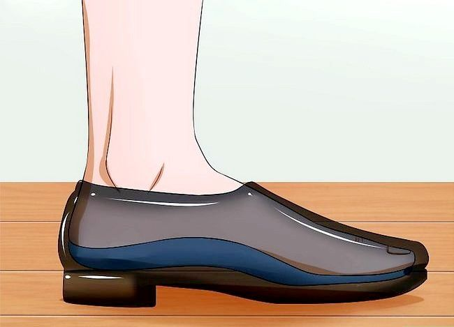 Prent getiteld Fix Painful Shoes Stap 4
